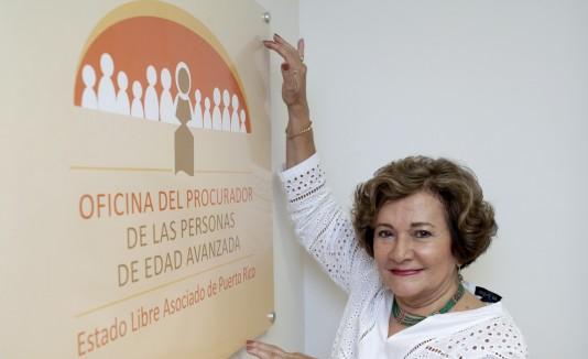 Carmen Delia Sánchez Salgado,  Procuradora de la OPPEA , inauguró la nueva oficina en Camuy.