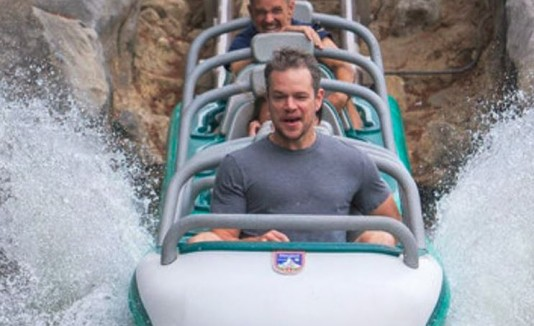 Matt Damon en Disneyland.