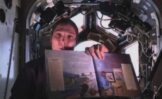 Leerán cuentos para niños desde el espacio.