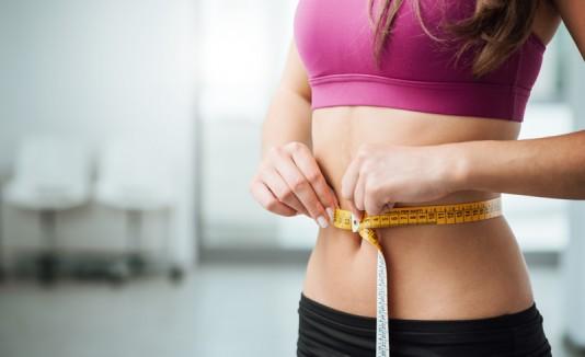 Mujer bajando de peso.