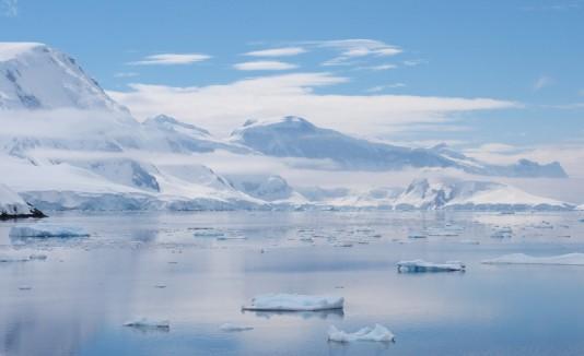 Canal Antarctica Neumayer