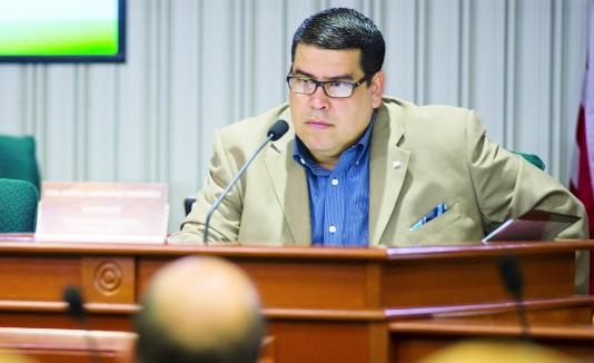 El alcalde de Dorado acusó al representante Rafael  Hernández (en la foto) de no ayudarlo en conseguir el dinero para la obra.