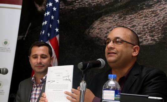 Los legisladores Ramón Luis Rivera Nieves y José Nadal Power presentaron su propuesta en el Centro de bellas Artes de Santurce.