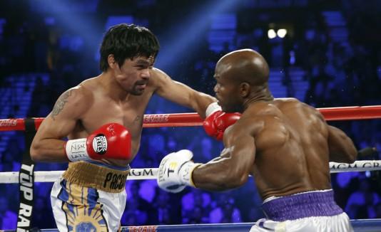 Pacquiao peleando con Bradley