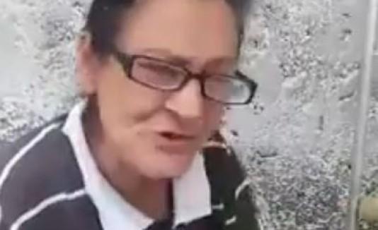 VÍDEO: Anciana causa indignación por pedir donativos