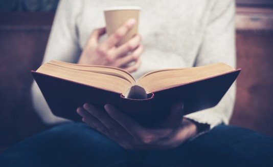 Libro y café