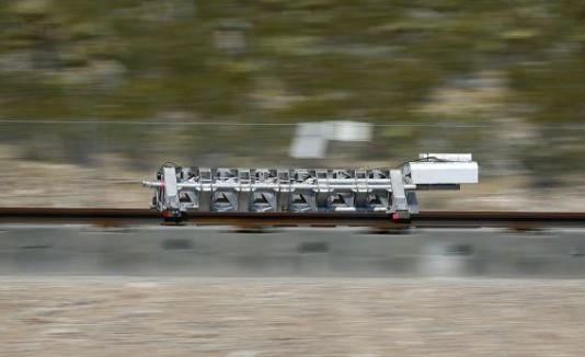 Se espera que Hyperloop recorra unos 600 kilómetros en solo 30 minutos.
