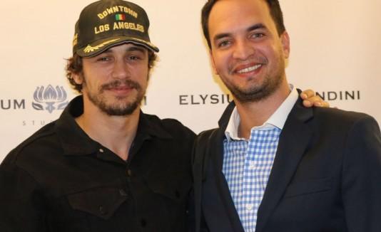 El actor James Franco junto al empresario Ángel Hoyos.