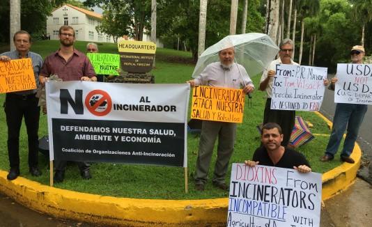Secretario federal rechaza reunirse con manifestantes for Bodas en el jardin botanico de rio piedras