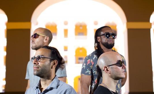 """El grupo también presentó el vídeo del sencillo de temática social """"Le da igual""""."""