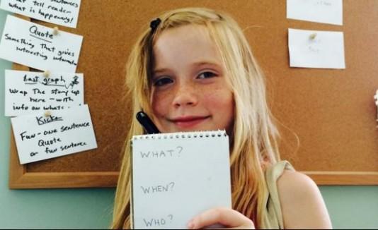 niña periodista
