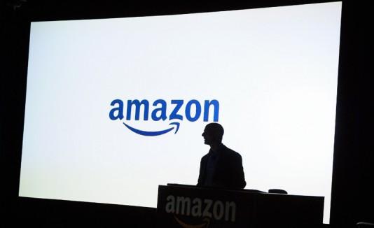 Amazon y la silueta de Jeff Bezos