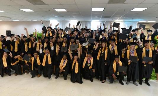 Graduación Nuestra Escuela