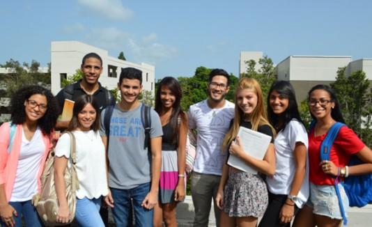 Estudiantes mentores UPR Carolina