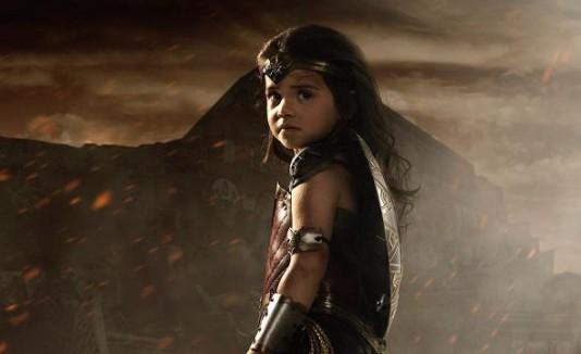 Convierte a su hija en Wonder Woman