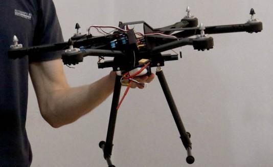 Dron creado por jóvenes