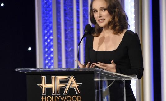"""Natalie Portman fue honrada por su interpretación de Jackie Kennedy en """"Jackie"""","""