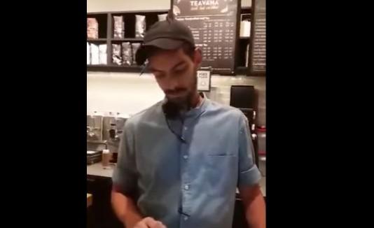 """Cajero de Starbucks se niega a escribir """"Trump"""" en un vaso"""