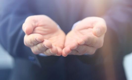 Ayuda, esperanza, solidaridad, dar
