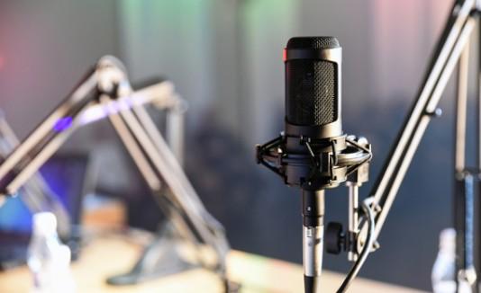Radio, micrófono, programa radial