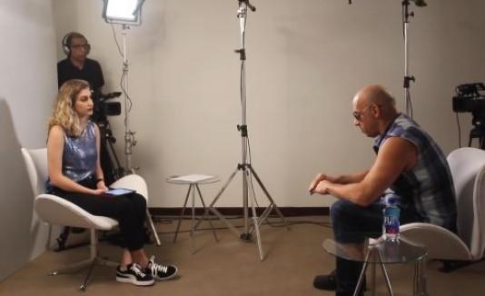 Vin Diesel y reportera