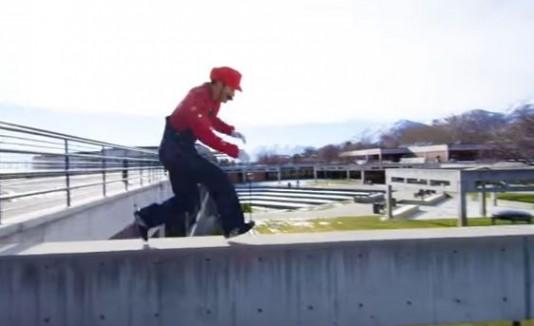Mario Bros haciendo parkour