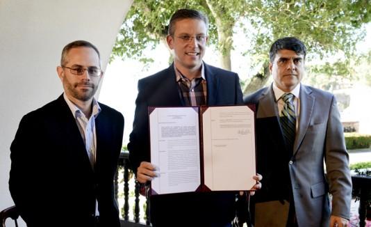 García Padilla declara Mar Chiquita reserva natural