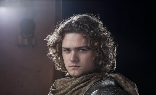 finn jones encabezar estrellas que dir n presente en pr comic con. Black Bedroom Furniture Sets. Home Design Ideas