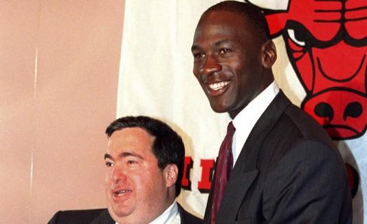 Jerry Krause y Michael Jordan
