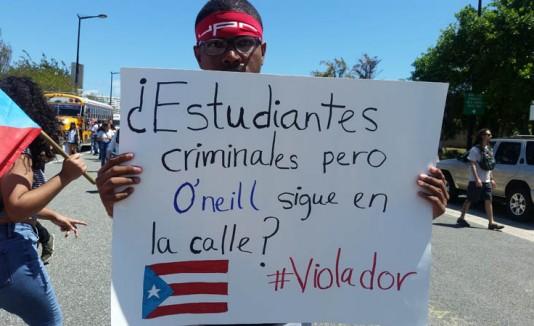 Estudiantes se manifiestan contra la Junta