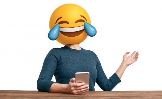 Emoji riéndose