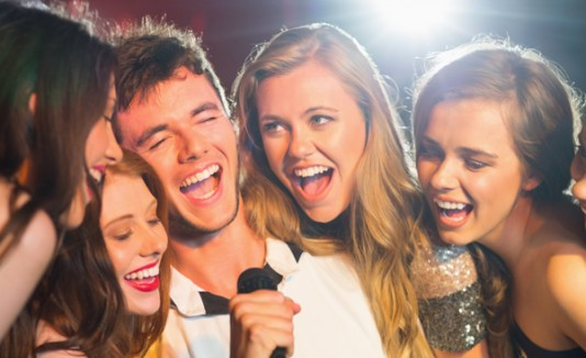 Karaoke, cantando, jangueo
