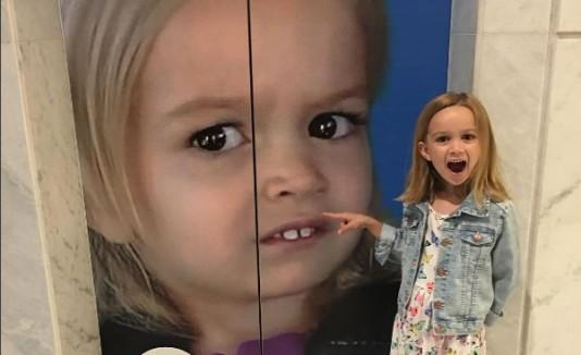 Chloe, la popular niña del meme