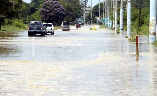 Río culebrinas desbordado