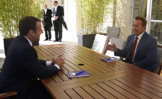 Arnold y Macron