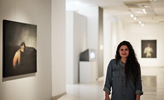 Elsa María Meléndez busca con esta pieza exhibitoria incorporar a la figuar masculina en las discusiones de género dentro del arte.