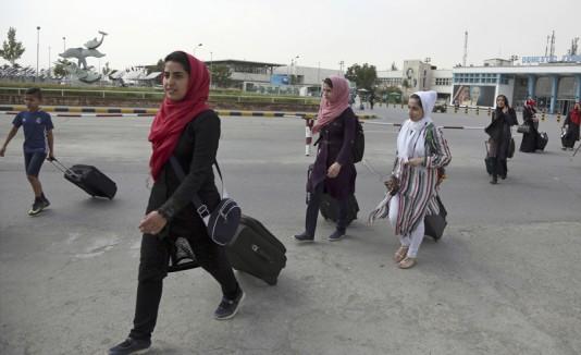 Niñas afganas podrán ir a competir a Estados Unidos