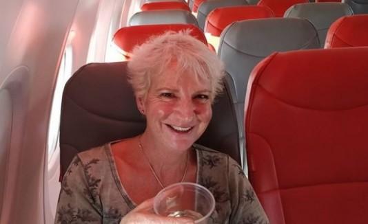 """Escritora escocesa en """"vuelo privado"""""""