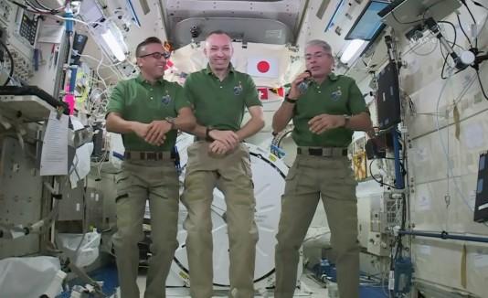 Astronautas en Acción de Gracias
