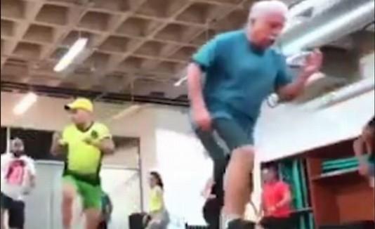 Anciano bailador