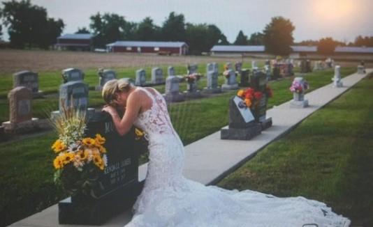 Novia en tumba