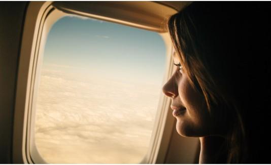 Mujer avión