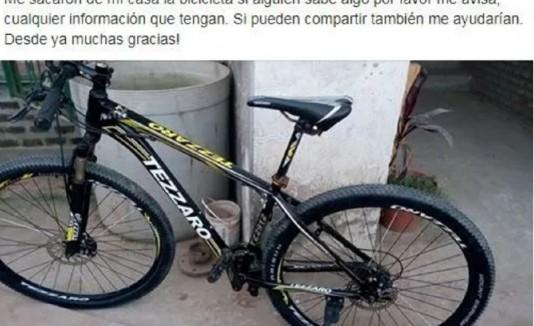 Publicación en Facebook de Catalina Parodi, en donde denuncia el hurto de su bicicleta. (Captura Facebook)