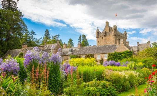 el gobierno de Escocia dio a conocer una lista de 435 propiedades vacías. Algunas de estas son castillos