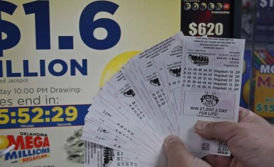 Los amigos ganaron cerca de $1.165,000 cada uno en la lotería australiana Saturday X Lotto.