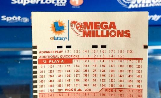 más de un millón de dólares en la lotería