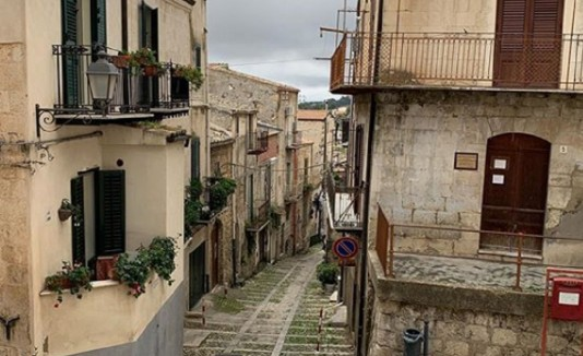 Mussomeli, pequeña comunidad de 10,000 habitantes en la comuna de Caltanissetta, en el corazón geográfico de Sicilia