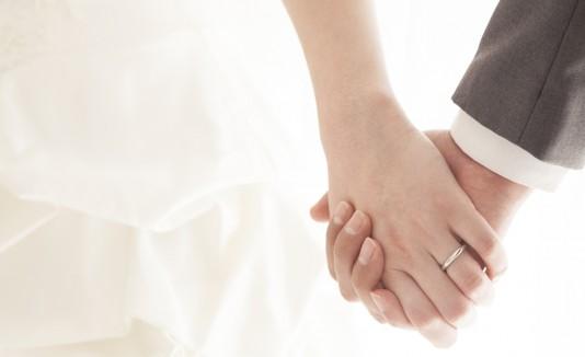 Creía que estaba en su ceremonia de compromiso, pero todo era una farsa. (Shutterstock)