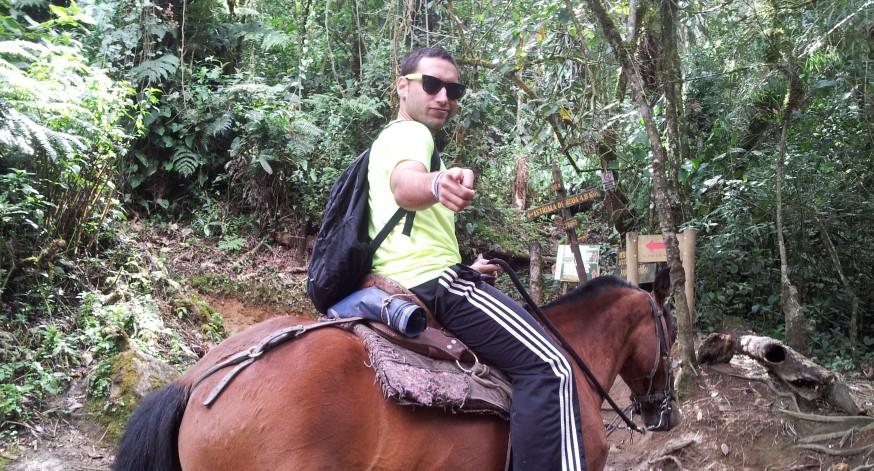 El mochilero Nino Davis continúa disfrutando los paisajes de Colombia.
