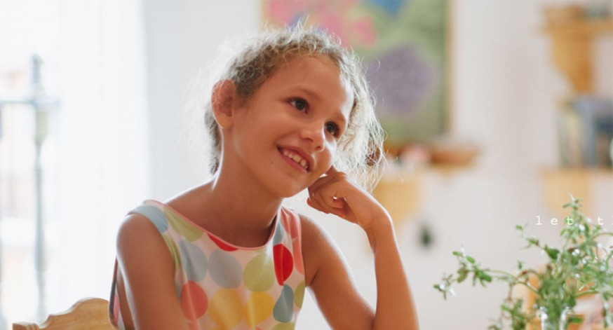 Niña en Escuela Aurora